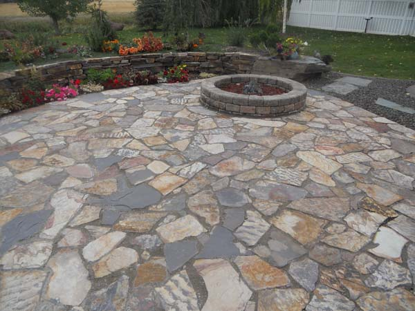 3 river patio ledge stone wolverine rock and mulch